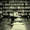 Girl_in_bookshop